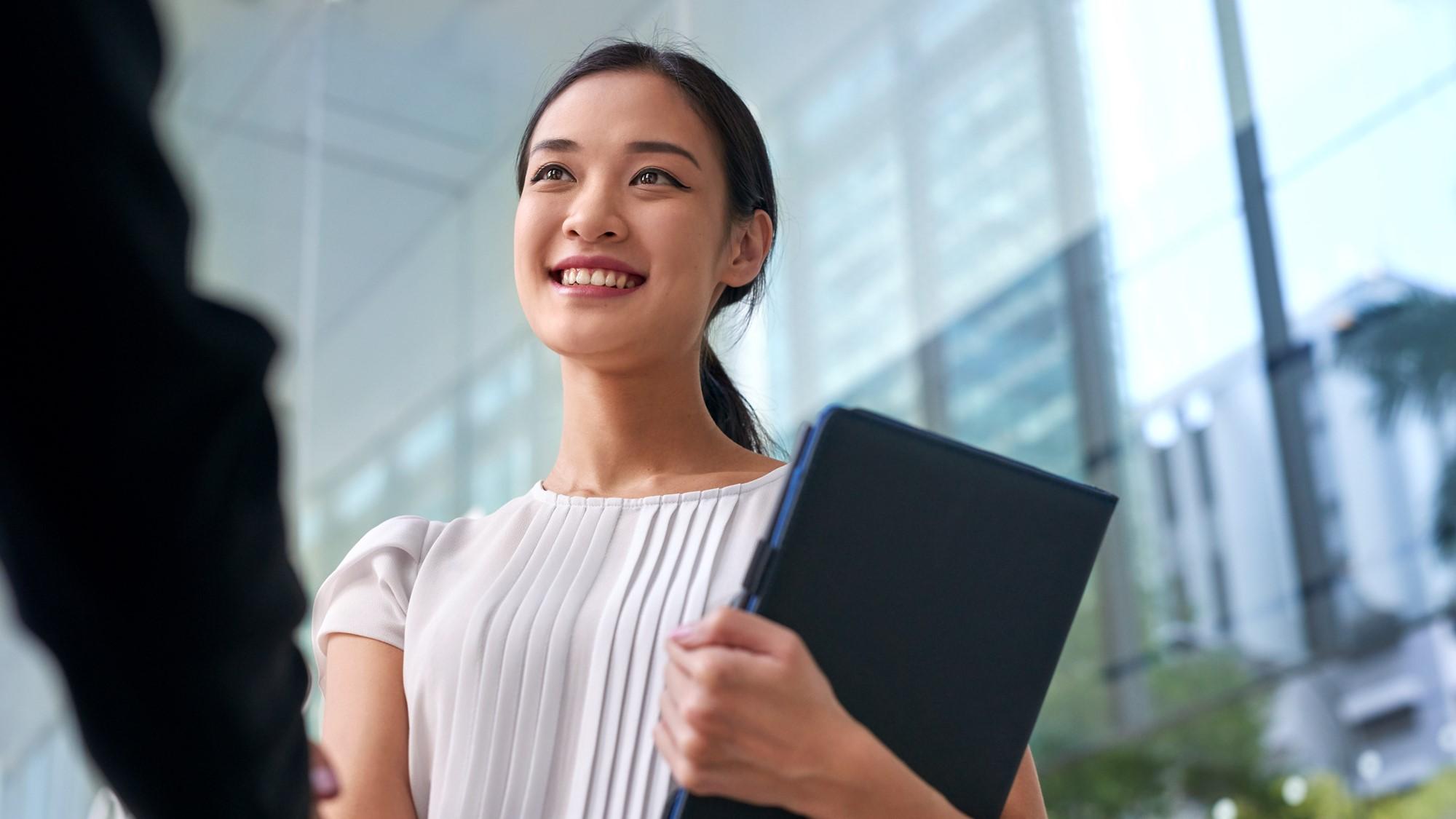 【日本経済新聞社主催】今、世界で活躍できる人づくりとは! サントリーのグローバル人材育成 ~「やってみなはれ」流の実践力強化とキャリア開発の取組み~
